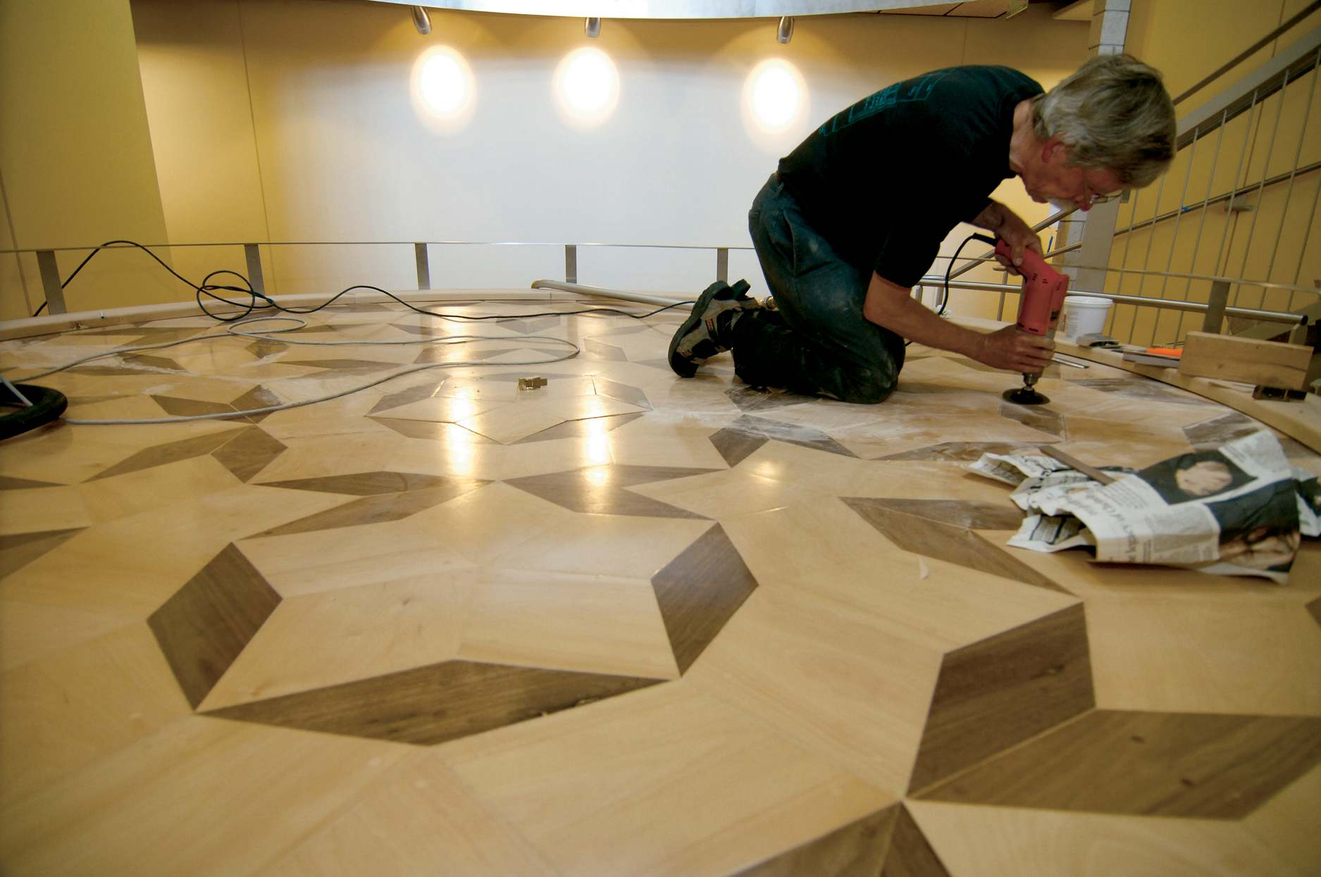 Penrose tile aperiodic tiling science centers puget sound dailygadgetfo Image collections